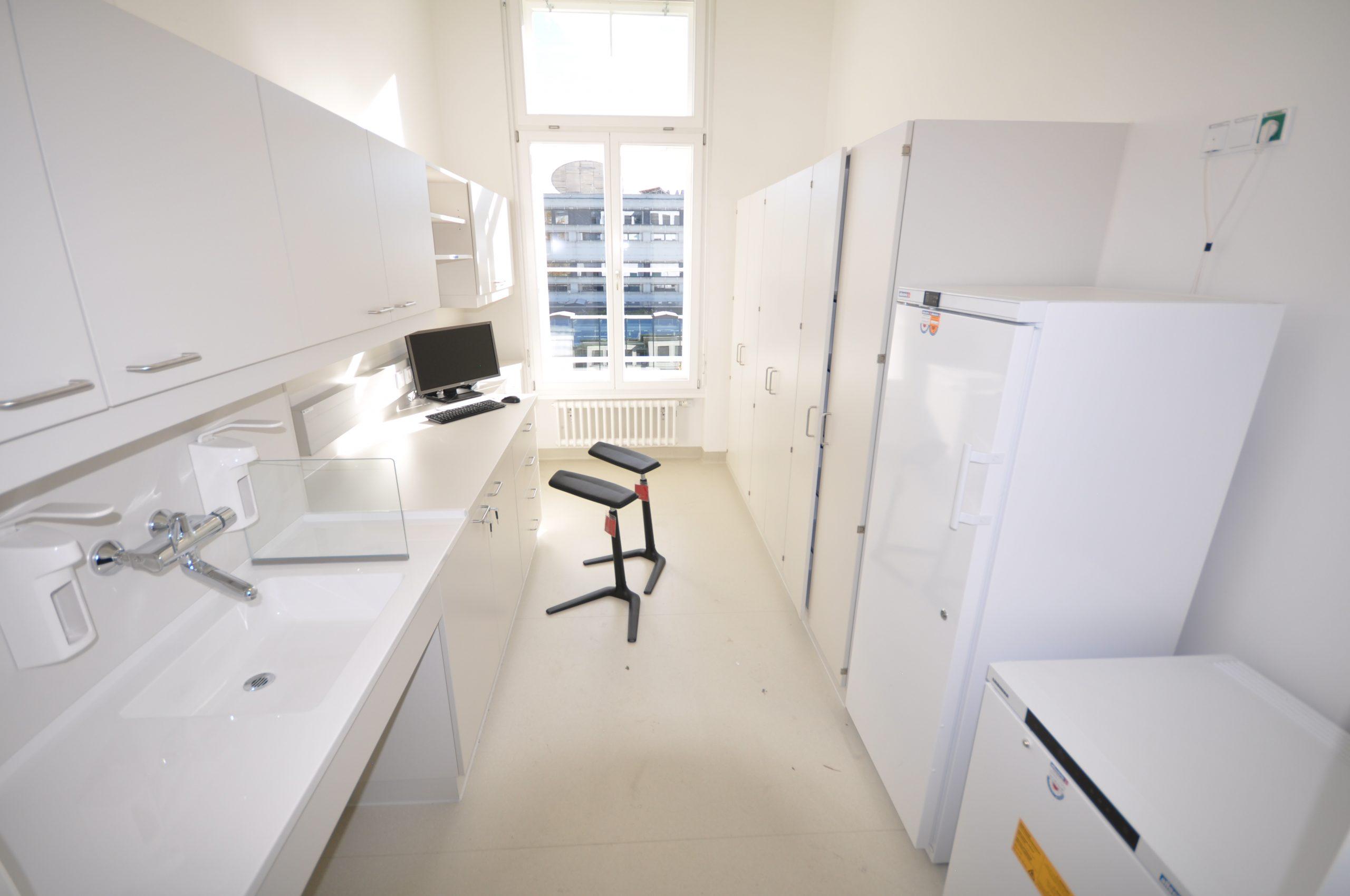 LKH Graz Hämatologie-Ambulanz Medikamentenraum