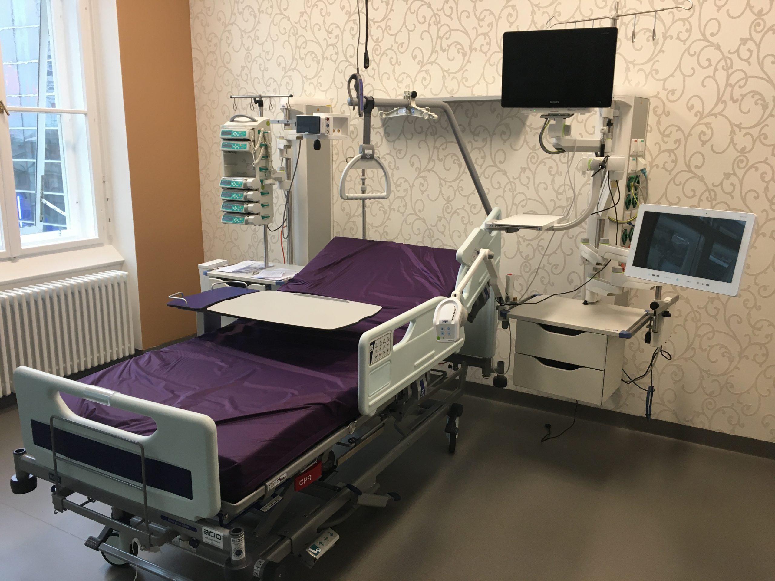 LKH Graz RCU Raum mit Bett